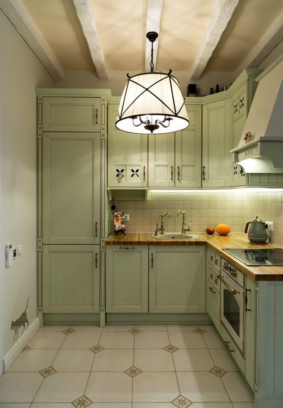 Потолок кухни в стиле прованс