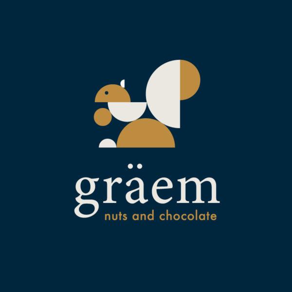 Как логотип присуждает graem &quot;width =&quot; 600 &quot;height =&quot; 600 &quot;/&gt; </p> <p> Graem Nuts and Chocolate &#8212; европейский ростер, специализирующийся на орехах, шоколаде и сухофруктах. Мы создали современный логотип «Белка», который напоминает скандинавский дизайн, используя простые геометрические фигуры, чтобы создать белку. Классическая цветовая палитра хорошо вписывается в Исторический Конкорд, Массачусетс, и будет отлично смотреться и в будущем. </p> <h2><span id=