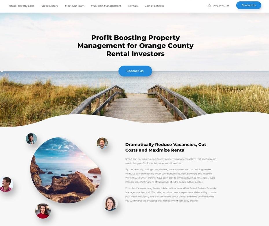 """Бело-синий дизайн веб-сайта с фотографией пляжа """"width ="""" 1919 """"height ="""" 1616"""