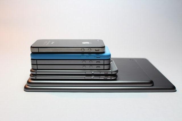 """стек смартфонов и планшетов """"width ="""" 640 """"height ="""" 426 """"/>    <figcaption> Via Pexel. </figcaption></figure> <p> Честно говоря, лучше подождать прежде чем делать какие-то конкретные выводы. Генерал Z еще очень молод и ему нужно больше времени, чтобы повзрослеть и развить свои уникальные особенности — в конце концов, никто не хочет, чтобы его судили по тому, как он действовал как подросток. </p> <h2><span id="""