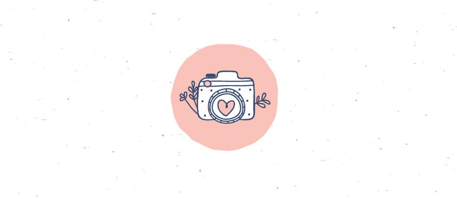 """Симпатичный розовый нарисованный от руки логотип камеры """"width ="""" 939 """"height ="""" 409"""