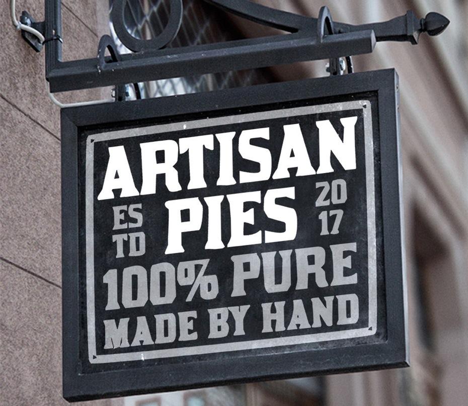"""Текстовый логотип Artisan Pies """"width ="""" 935 """"height ="""" 812 """"/>    <figcaption> Дизайн логотипа Bokisha для Artisan Pies. </figcaption></figure> <p> Некоторые из наиболее успешных логотипов вообще не концептуально и не сложно. На самом деле логотип Artisan Pies, представленный выше, является, пожалуй, наиболее совершенным из возможных решений для этого бизнеса. Название точно говорит зрителю, что это за услуга, дизайн передает их ценности бренда no-BS и шрифт с засечками даю вам знать, что они серьезно относятся к пирогам! Не говоря уже о том, что название настолько простое, что его трудно забыть! </p> <figure data-id="""
