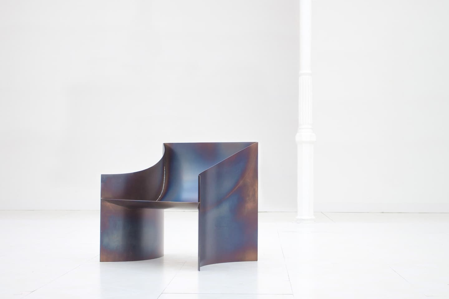One Curve Chair, Objects With Narratives