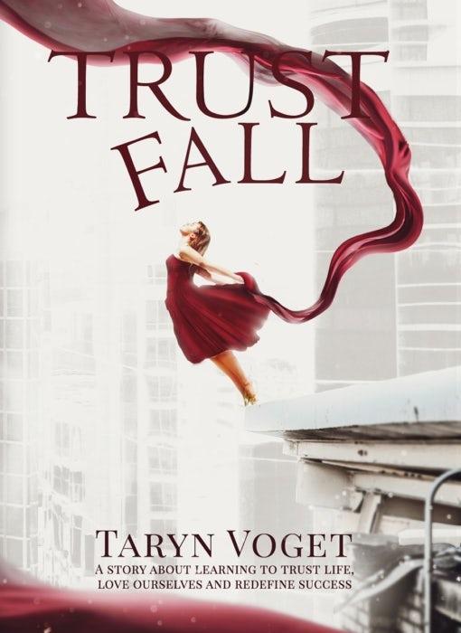 """Trust Fall дизайн обложки книги """"width ="""" 510 """"height ="""" 700"""