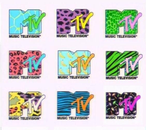 """Варианты логотипа MTV 1980-х годов с узорами Мемфиса """"width ="""" 564 """"height ="""" 500"""
