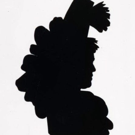 Черно-белый силуэт женщины