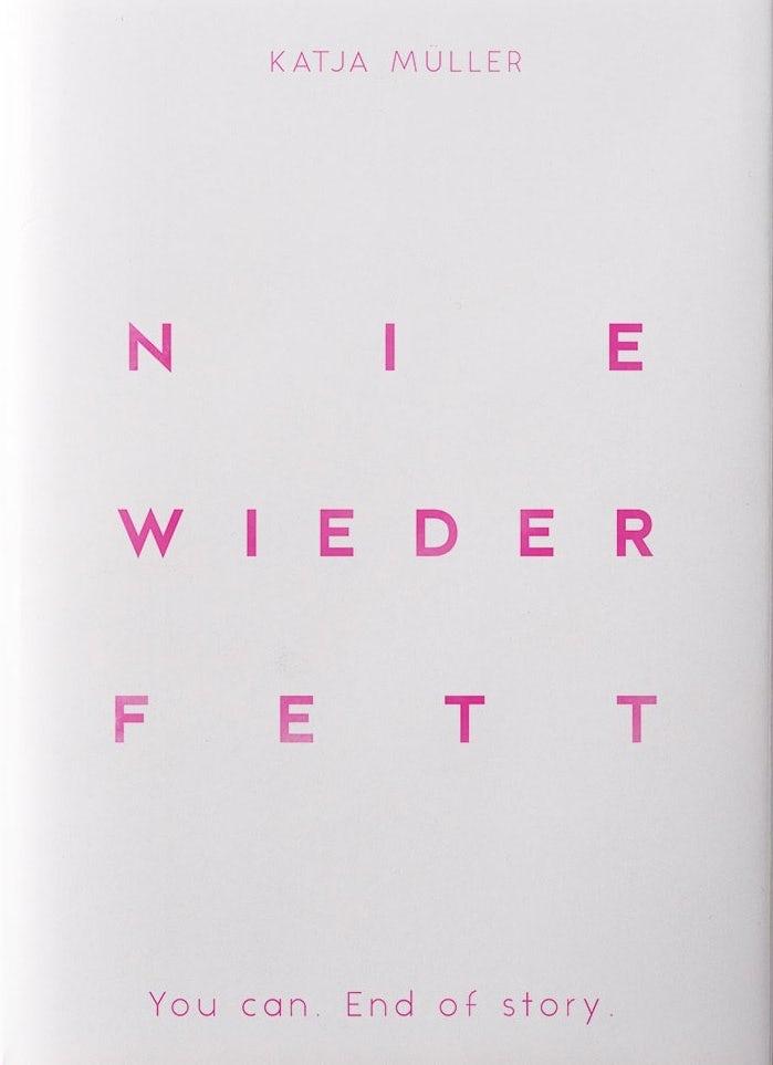 Типографский дизайн обложки книги с большим количеством пробелов