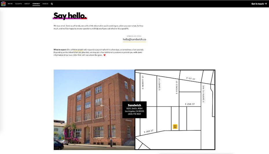 """контактная страница сэндвича с указанием их адреса с картой и фотографией здания """"width ="""" 1600 """"height ="""" 921"""