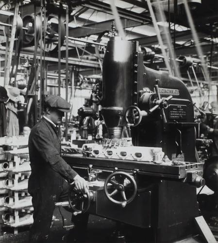 """D. Napier & Son Ltd, «Создание авиационного двигателя», Англия, около 1918 г. width = """"449"""" height = """"500"""