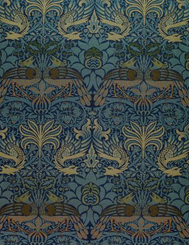"Дизайн ткани «Павлин и дракон» Уильяма Морриса «width ="" 385 ""height ="" 500"