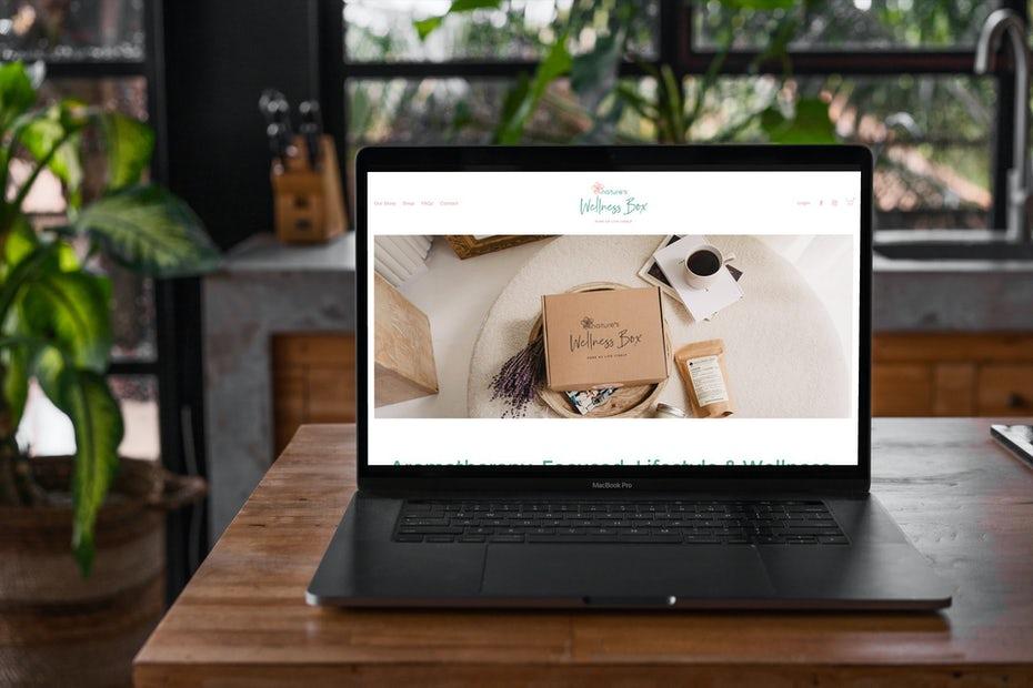 """ноутбук с веб-сайтом электронной торговли на экране """"width ="""" 1920 """"height ="""" 1280 """"/>    <figcaption> Вы можете начать бизнес в электронной торговле прямо на кухне с помощью EngageTaste </figcaption></figure> <h2><span id="""